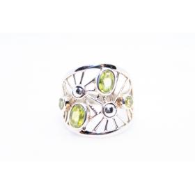 Oliviin sõrmus Hõbe 925; 4,5g